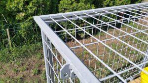 Steckverbindung zwischen Ober- und Seitenwand